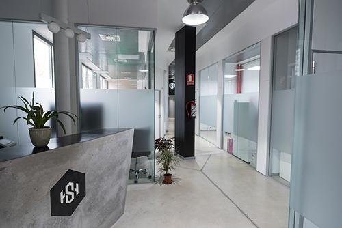 Foto de las instalaciones de TheHackership, cliente del fotógrafo en Zaragoza El Fabricante de Nubes